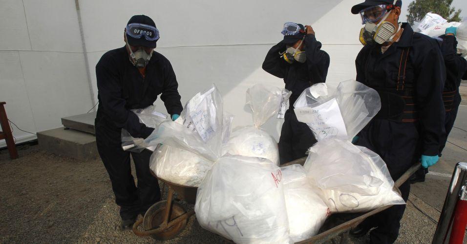 Incineração de drogas no Peru