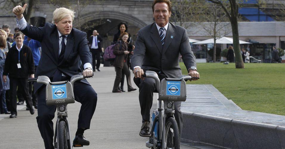 Políticos em duas rodas