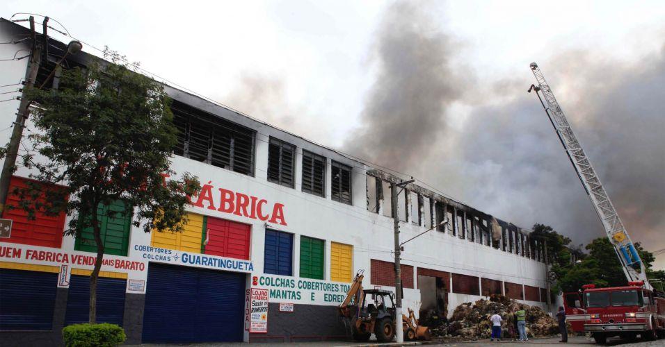 Incêndio em Guaratinguetá (SP)