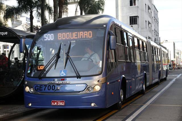 Maior ônibus biarticulado do mundo