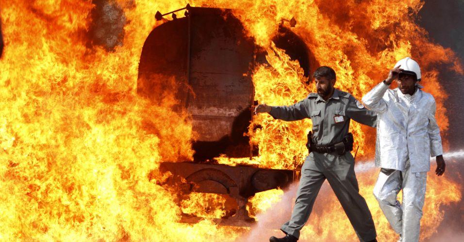 Explosão de caminhão-tanque no Afeganistão