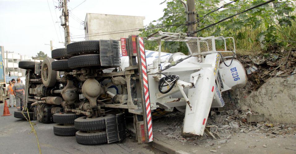 Acidente com caminhão em SP