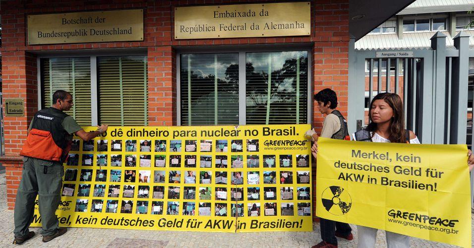 Protesto contra construção de usina nuclear no Brasil