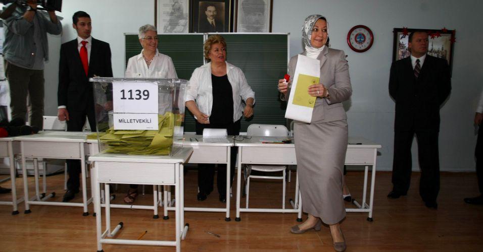 Esposa vota