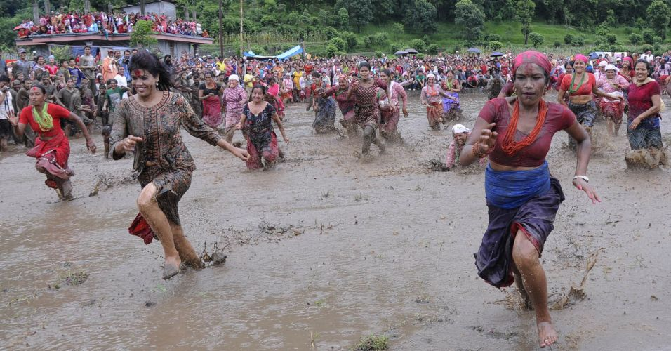Festa do arroz no Nepal