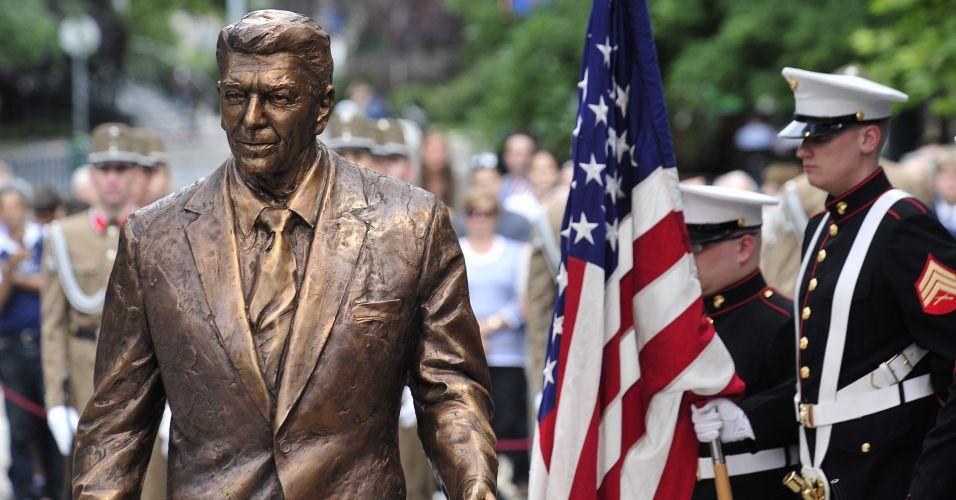 Hungria inaugura estátua de Reagan