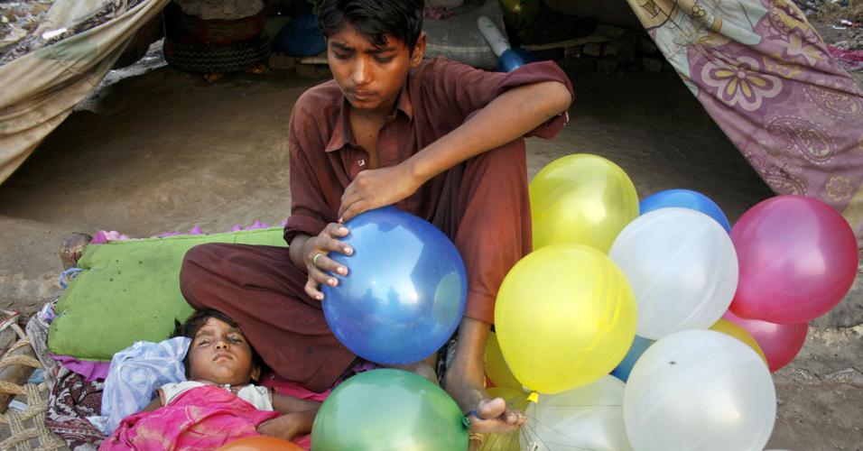 Jovem paquistanês