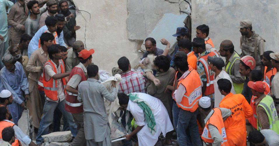 Desabamento no Paquistão