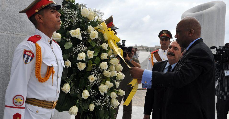 Rei visita Cuba