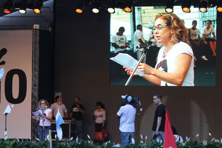 A atriz Cissa Guimarães participa do protesto no centro do Rio de Janeiro contra o projeto que reduz os royalties do petróleo para os Estados produtores (Rio e Espírito Santo)