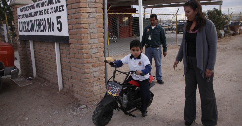 Acidente com moto de brinquedo