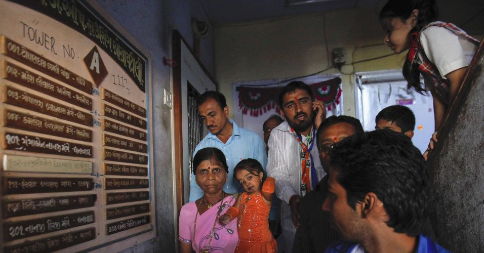 A indiana Jyoti Amge, de 18 anos, considerada a