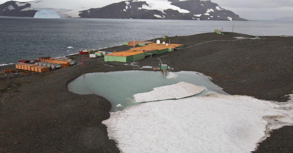 Explosão em base na Antártida
