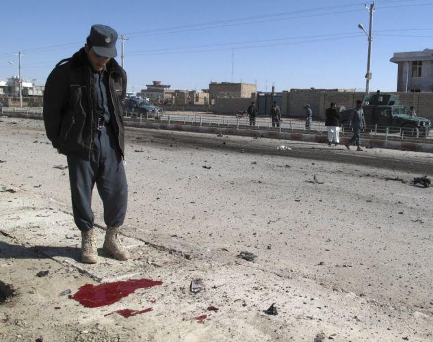 Carro-bomba no Afeganistão