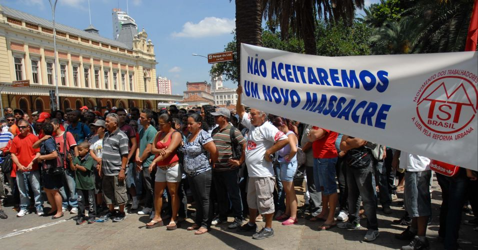MTST faz protesto