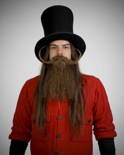 Ex-entregador de pizza, o americano Great Burke Kenny venceu na categoria barba cheia com bigode em 2007, em sua segunda participação no evento. O 9º Campeonato Mundial de Barba e Bigode acontece no próximo sábado (23)