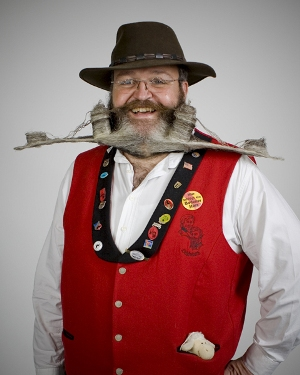 O competidor Elmar Weisser, da Alemanha, chamou atenção em 2005 com sua barba que homenageia o Portão de Brandenburgo, ponto turístico de Berlim