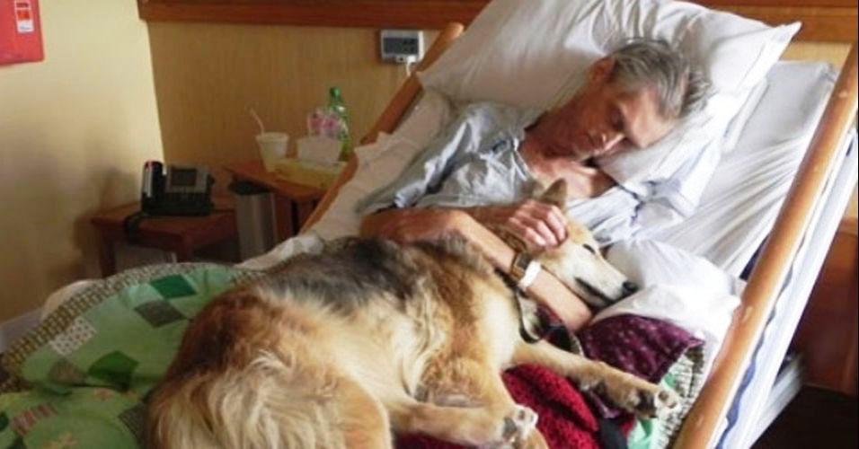 Homem reencontra cadela como último desejo